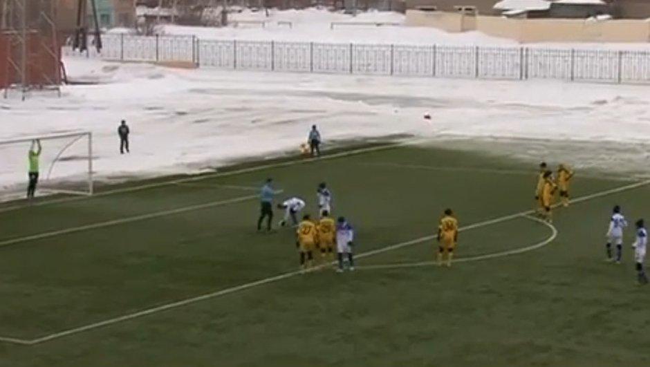 Insolite : le penalty le plus drôle de l'année ! (vidéo)
