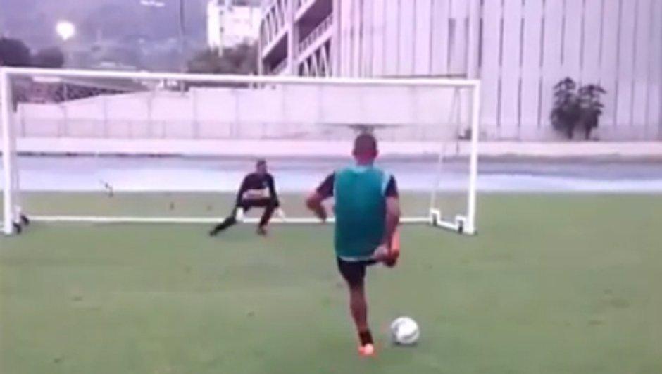 VIDEO Insolite : un penalty de dingue