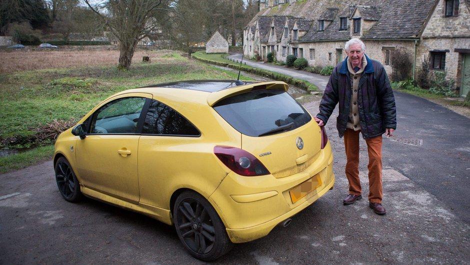 Vauxhall renomme sa couleur jaune « Maddox » pour soutenir le vieil homme persécuté