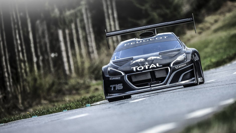 Peugeot 208 T16 Pikes Peak : 875 ch, et photos en action !