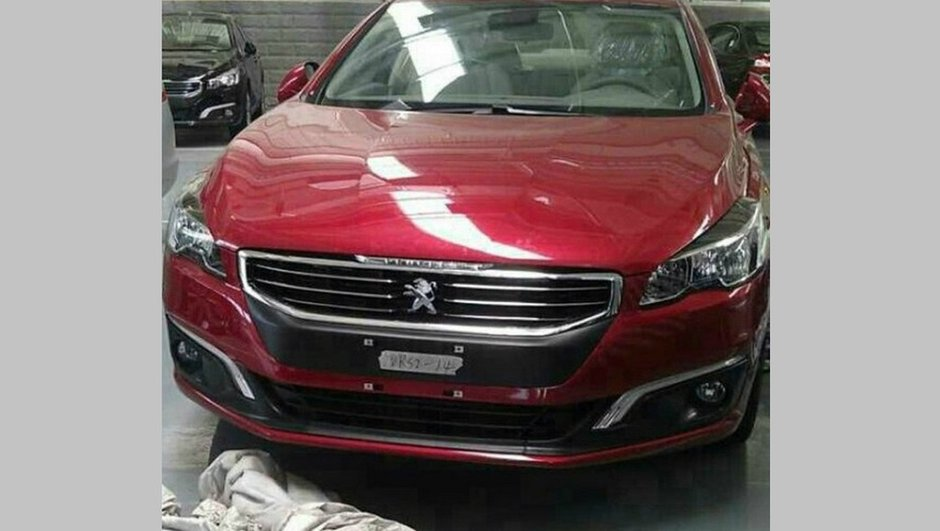 Future Peugeot 508 2014 : photos scoop du restylage ?