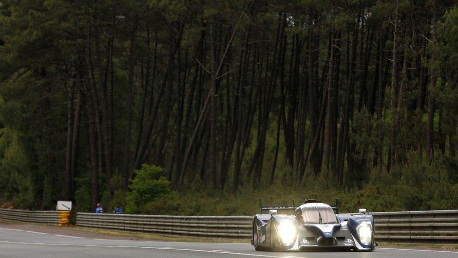 24h du Mans : Peugeot devant, crash chez Audi
