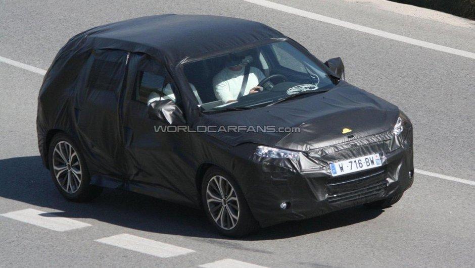 Scoop : les petits SUV Peugeot et Citroën sous camouflage