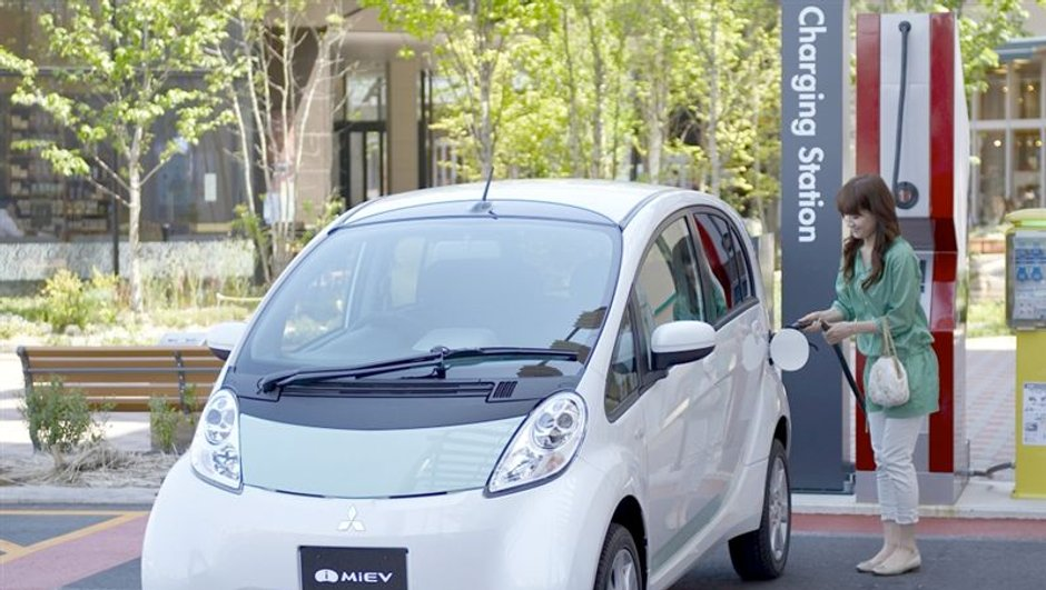 Mitsubishi i-MiEV : la citadine électrique bientôt disponible