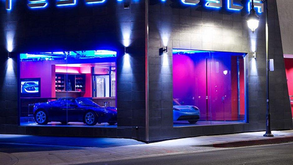 Tesla Model S : La berline électrique a son garage