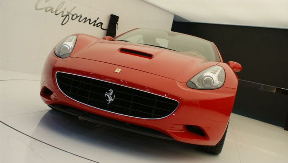 salon-cabriolet-2009-ferrari-california-5357706
