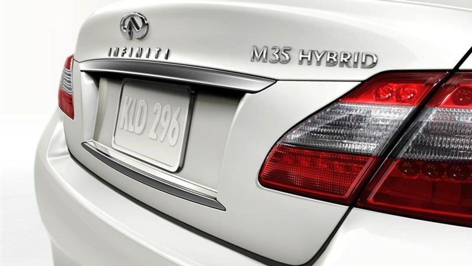 Infiniti se lance dans l'hybride de Luxe !