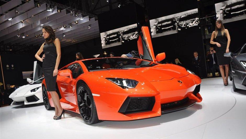 Salon de Genève 2011 : Lamborghini Aventador LP 700-4, enfin !