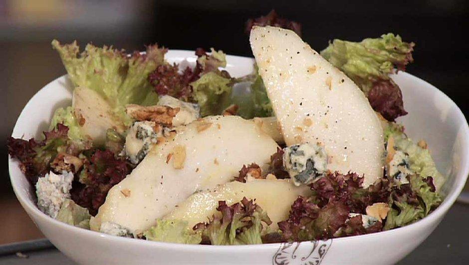 Salade Comice, bleu et noix