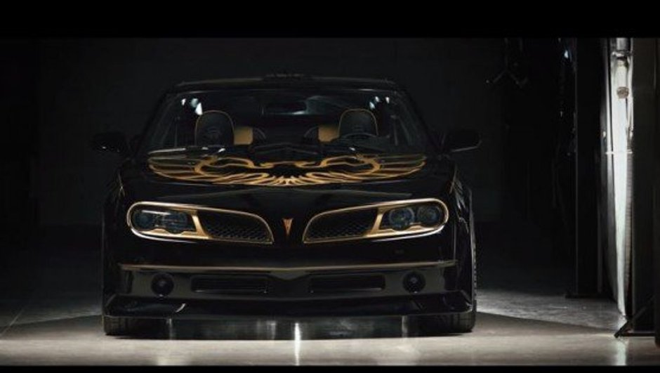 Trans Am : Burt Reynolds fait revivre le muscle-car Pontiac !