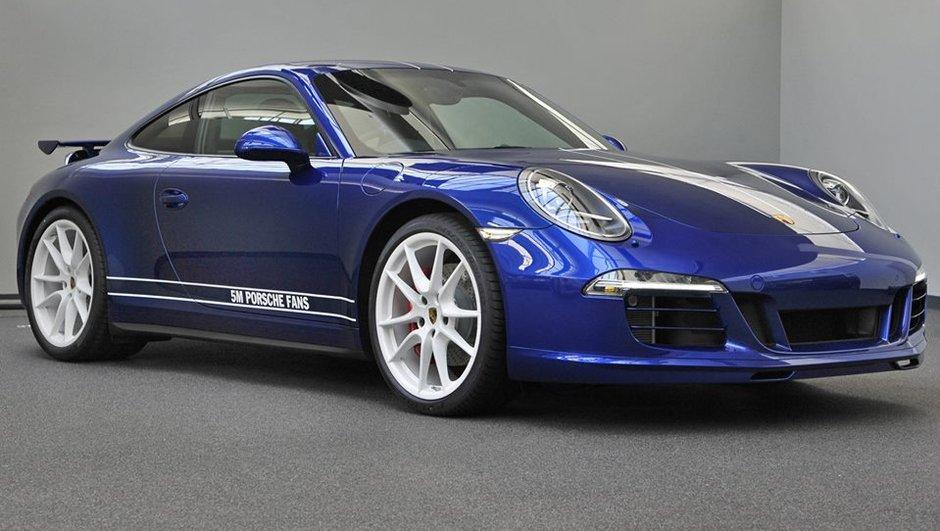Une Porsche 911 Carrera 4S, spéciale 5 millions de fans