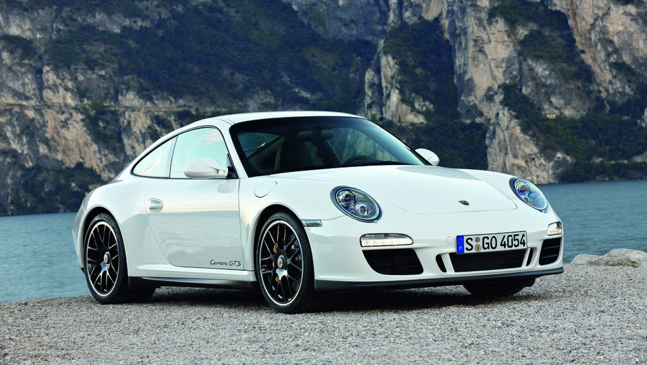 mondial-de-l-auto-2010-porsche-911-carrera-gts-premiere-4493396