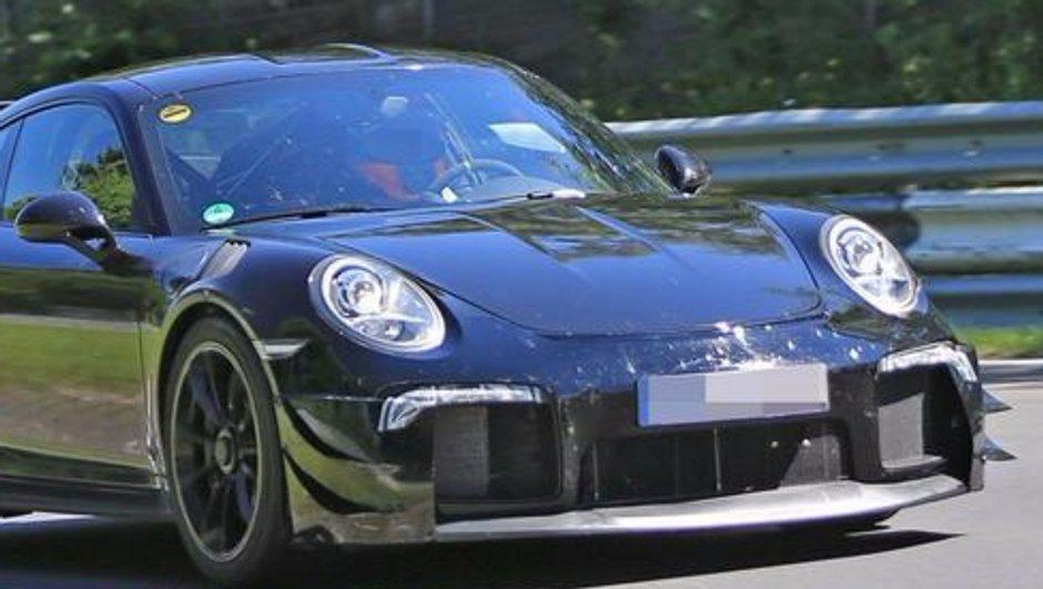 Scoop : La Porsche 911 GT2 RS 2018 surprise sur le Nürburgring