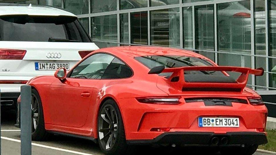 La nouvelle Porsche 911 GT3 surprise avant le Salon de Genève 2017