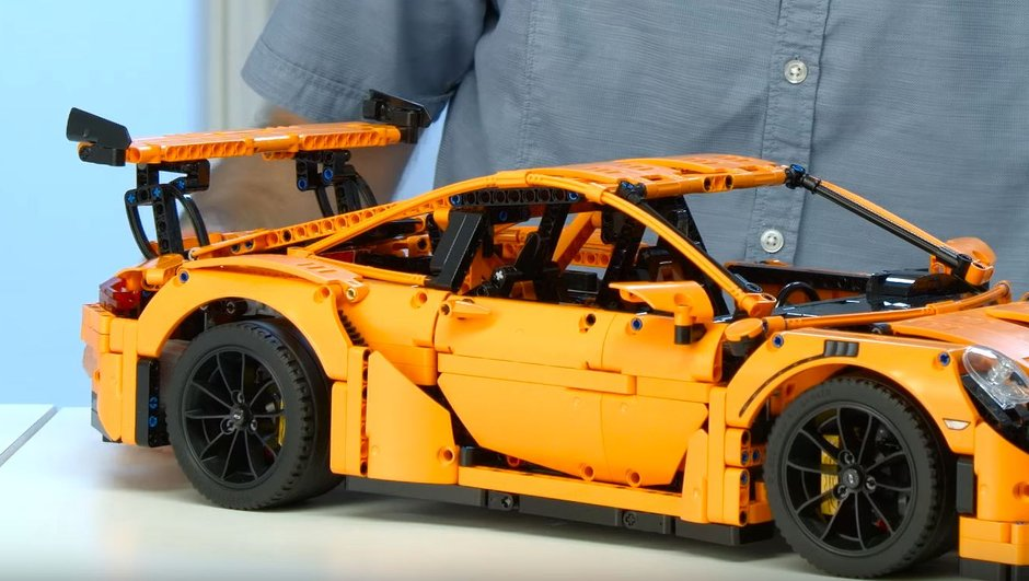 Insolite : la Porsche 911 GT3 RS disponible en Lego !