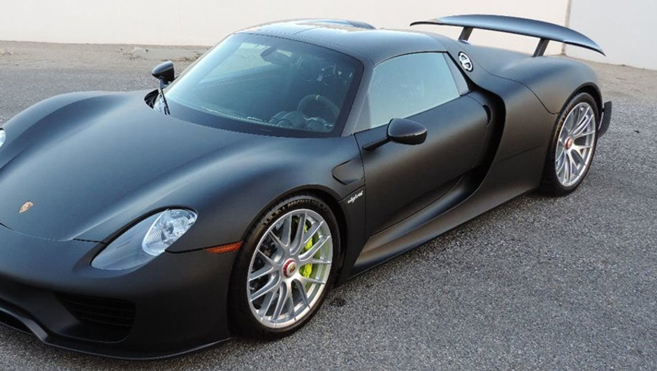 Porsche 918 Spyder : une sublime version fibre de carbone brute en vente