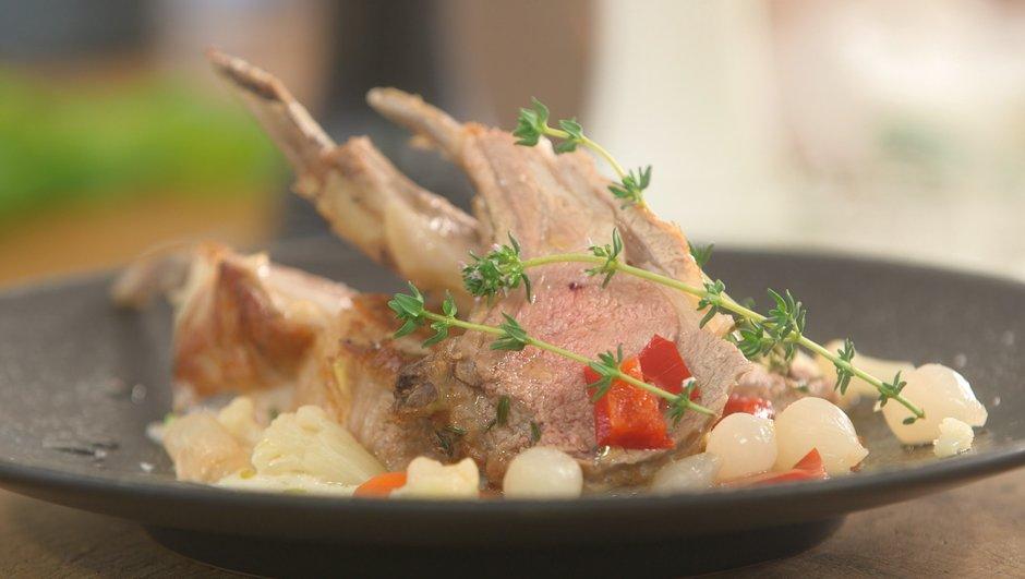 Carré d'agneau rôti au thym frais