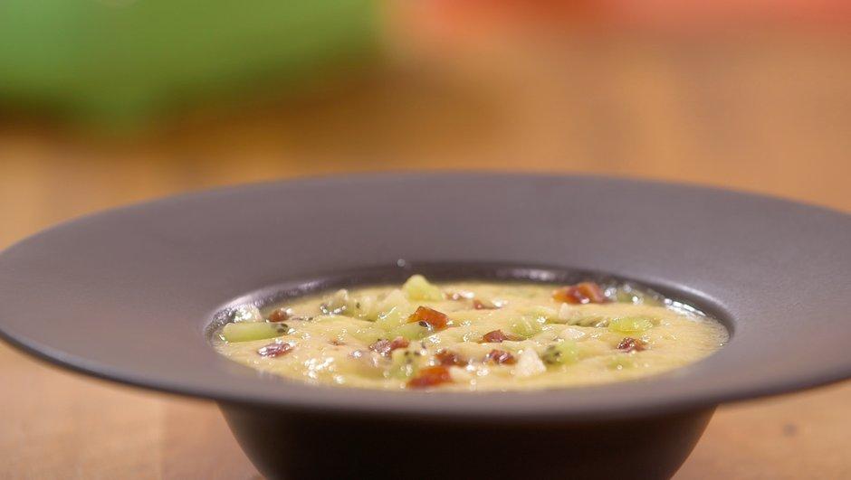 soupe-froide-d-ananas-mangoustan-thym-frais-2730447