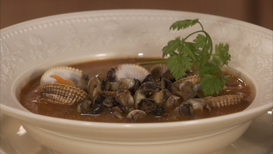 Soupe de poisson aux coques et aux bigorneaux