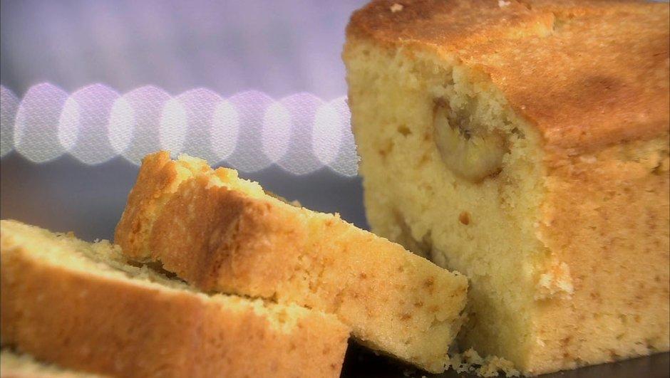 Cake à la banane caramélisée et au gingembre frais