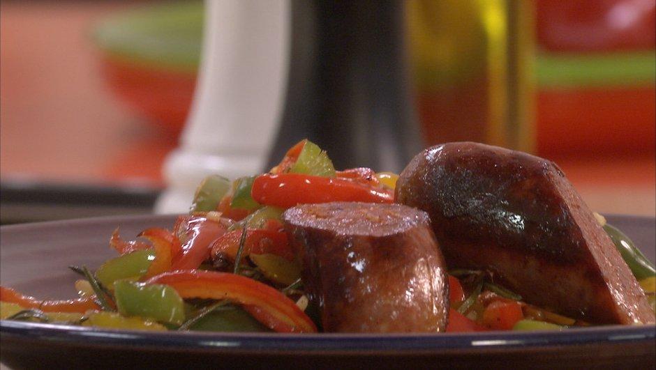Poivrons et piments frais grillés au chorizo frais, façon plancha