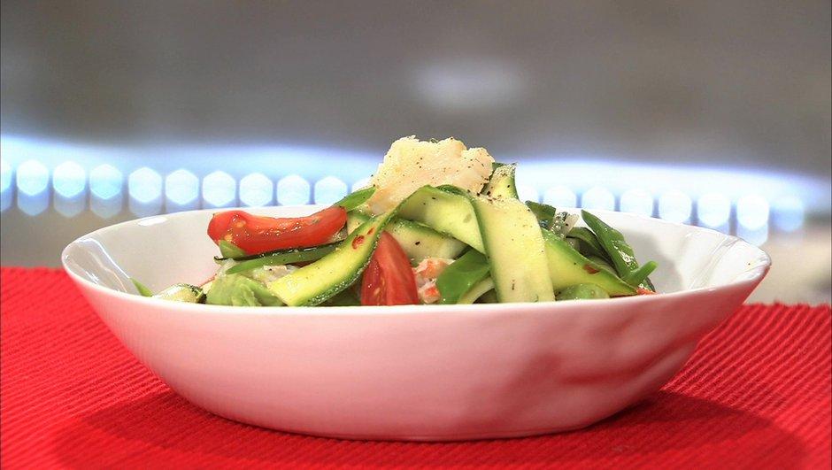 Salade de courgette et crabe, vinaigrette aigre-douce.