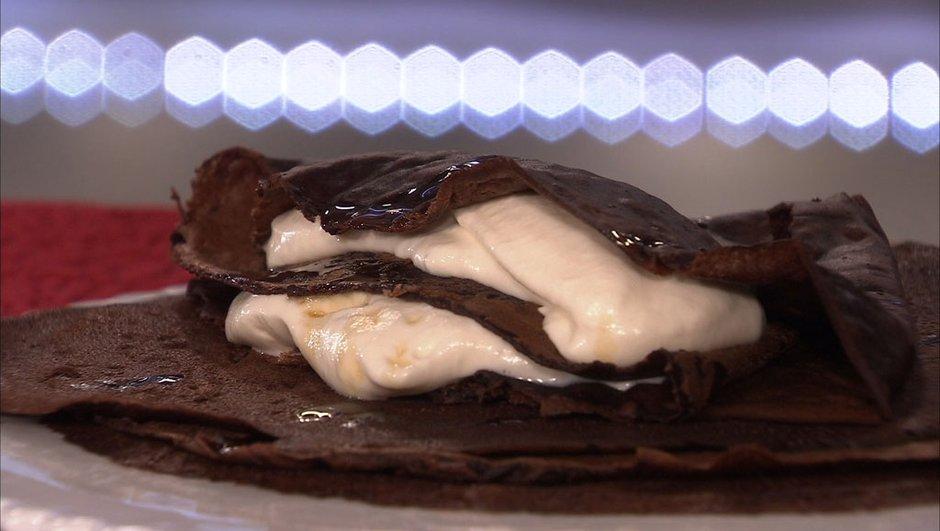 Crêpes au chocolat et crème montée au sirop d'érable