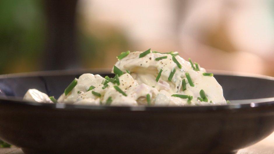 Salade de pommes de terre Pompadour à la cervelle de canut