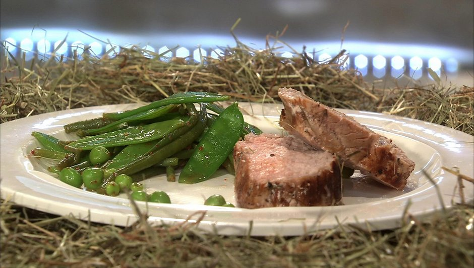 Quasi de veau au foin, légumes verts au piment d'Espelette