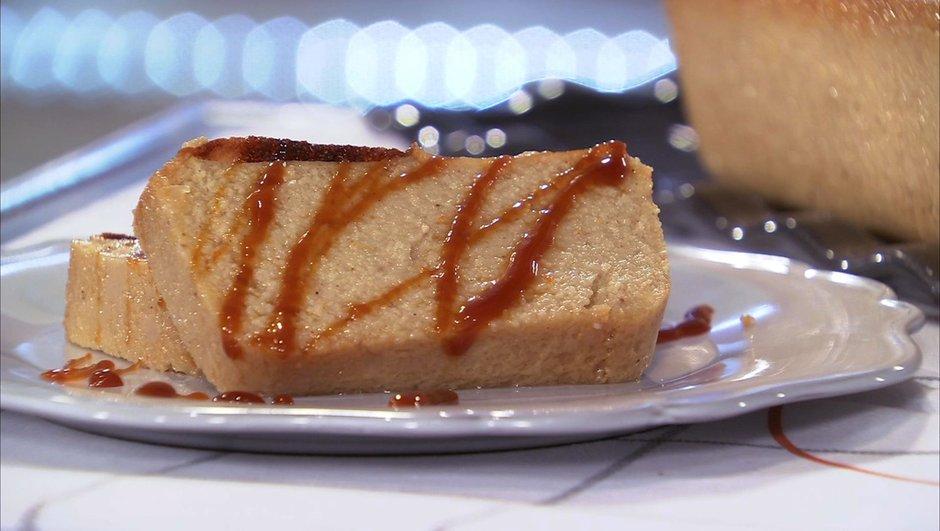 Gâteau de semoule à l'orange et aux épices