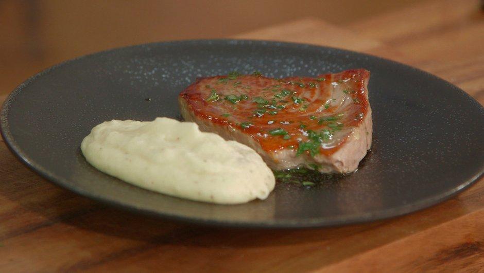 steak-de-thon-vinaigrette-asiatique-a-l-estragon-mousseline-de-cerfeuil-tubereux-4412100