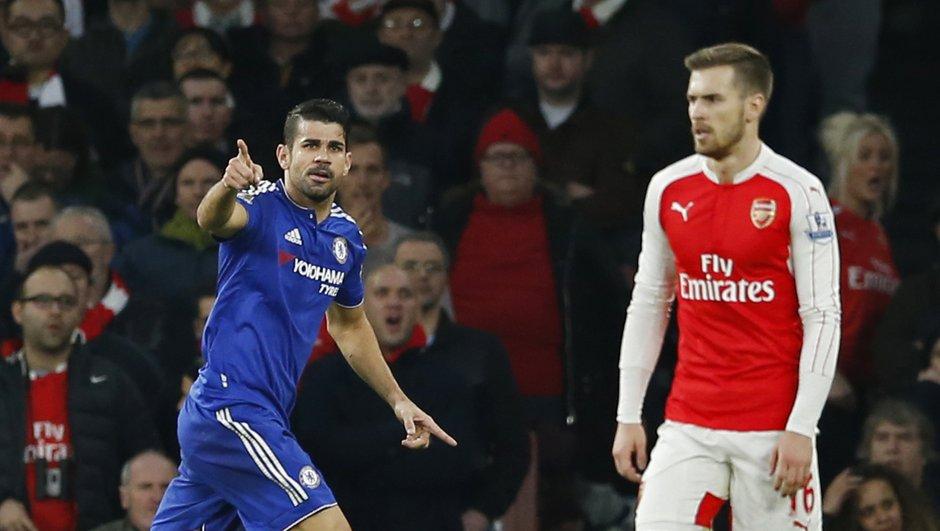 Premier League : Arsenal rejoint Manchester City, Chelsea enfonce Leicester