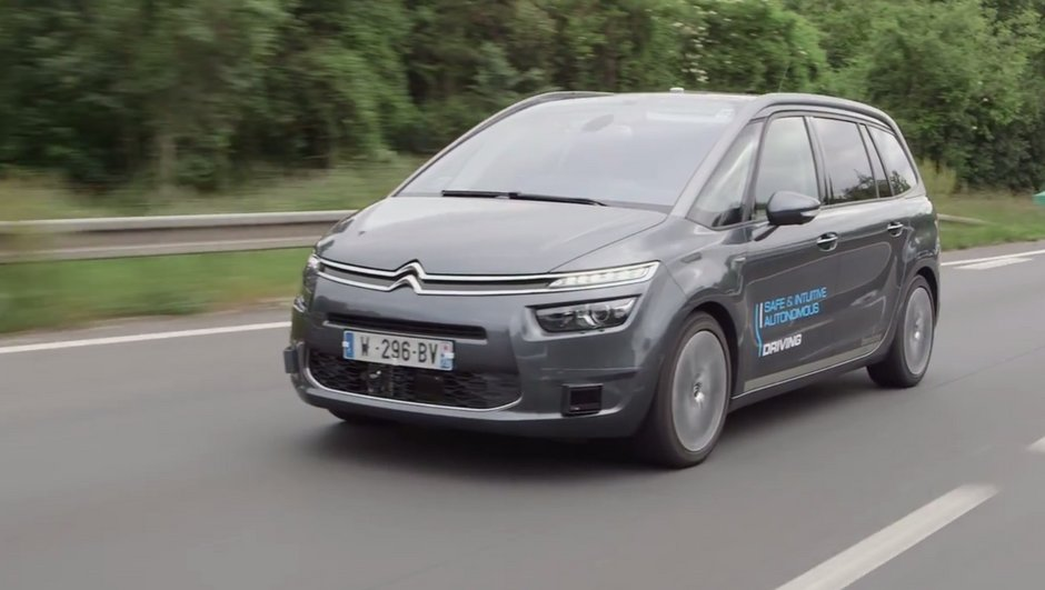 La voiture autonome de PSA réussit un trajet Paris-Bordeaux