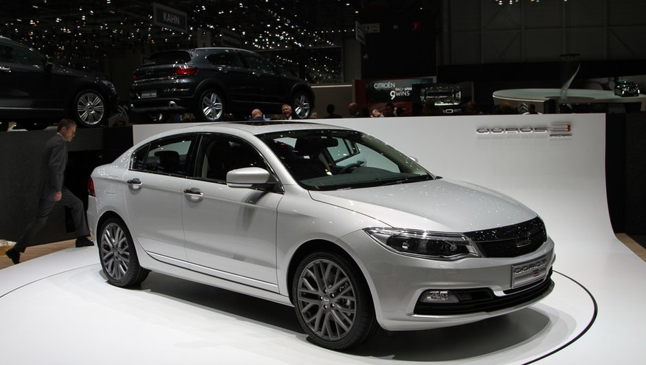 salon-de-geneve-2013-live-qoros-3-sedan-chinoises-attaquent-l-europe-5845985