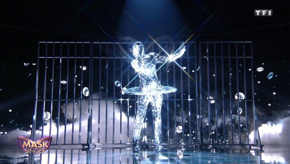 RÉVÉLATION - Qui est Ballerine, la star internationale de Mask Singer ?