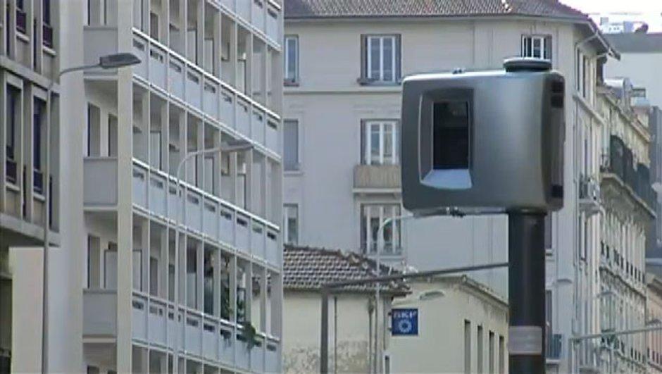 radars-aux-feux-tricolores-place-0831594