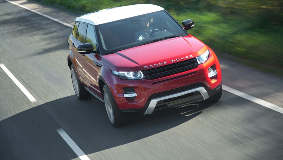 range-rover-evoque-hybride-n-y-pensez-meme-1721579
