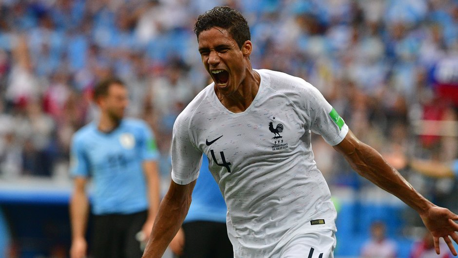 resultat-france-uruguay-de-l-allemagne-2014-au-mondial-2018-raphael-varane-a-pris-choses-main-video-but-9037193