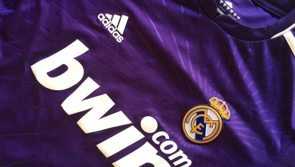 maillot-real-madrid-passe-violet-6101607
