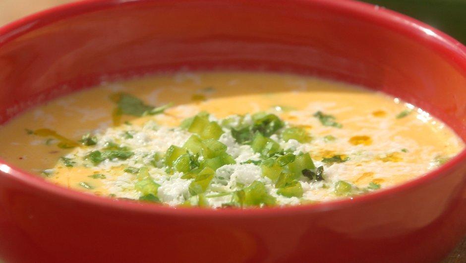 Gaspacho de maïs, poivrons colorés et feta
