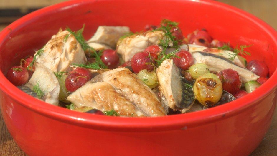 maquereaux-groseilles-a-maquereau-salade-de-concombre-1798438