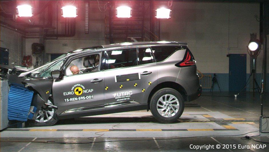 Crash-Test 2015 : Les Renault Espace et Suzuki Vitara obtiennent 5 étoiles