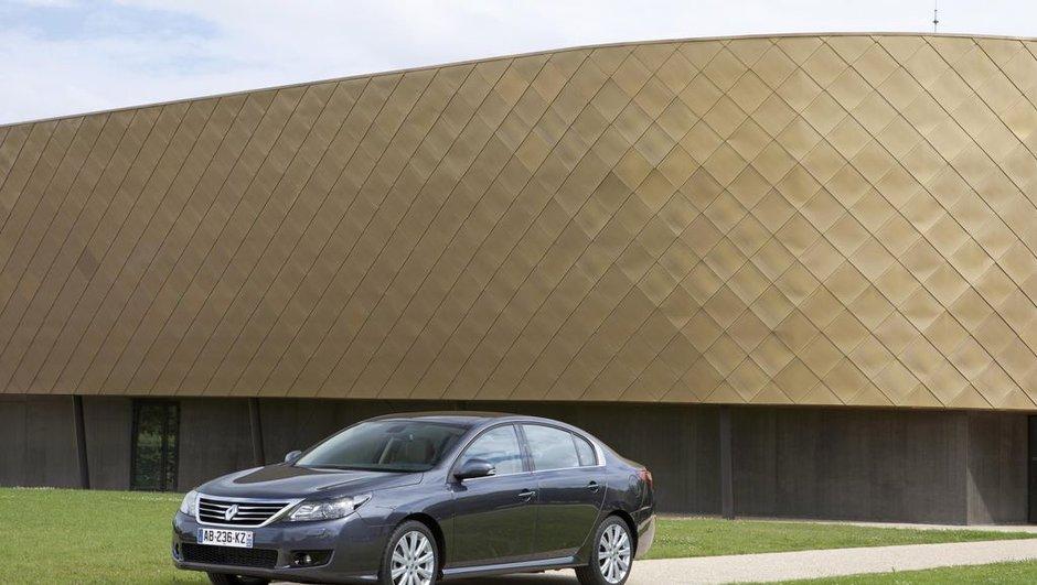 Renault Latitude : avant-première au Salon de Moscou 2010