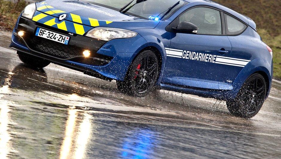 La Renault Megane RS de la Gendarmerie en action