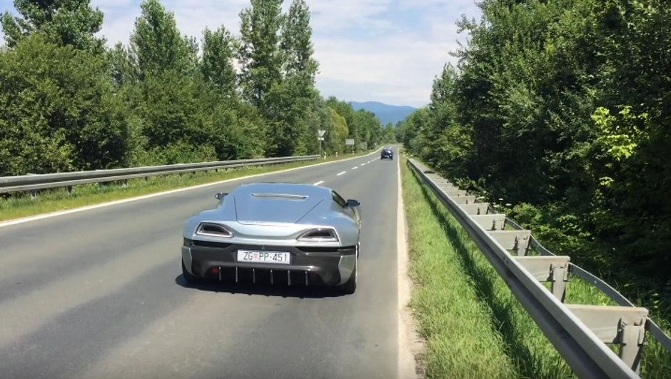 video-insolite-l-acceleration-fulgurante-de-rimac-concept_one-3470332