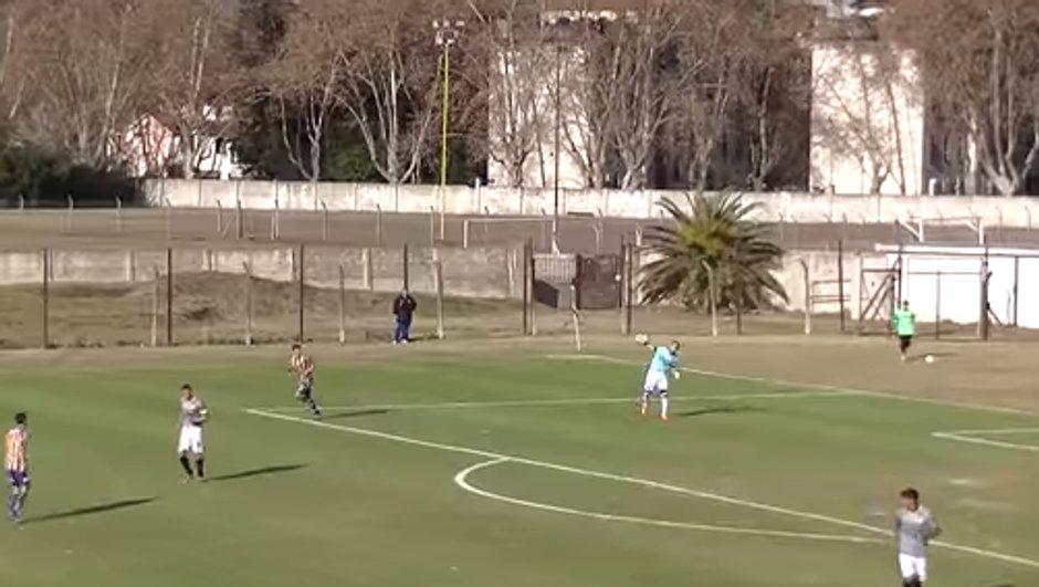 Argentine : Ce gardien inscrit le but contre son camp le plus ridicule de l'histoire
