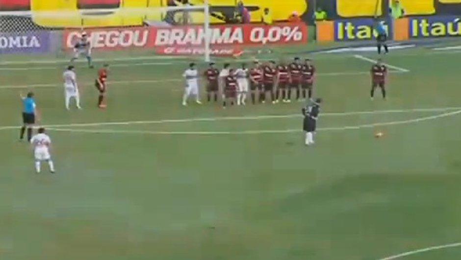 VIDEO Insolite : nouveau coup franc du gardien Rogerio Ceni !