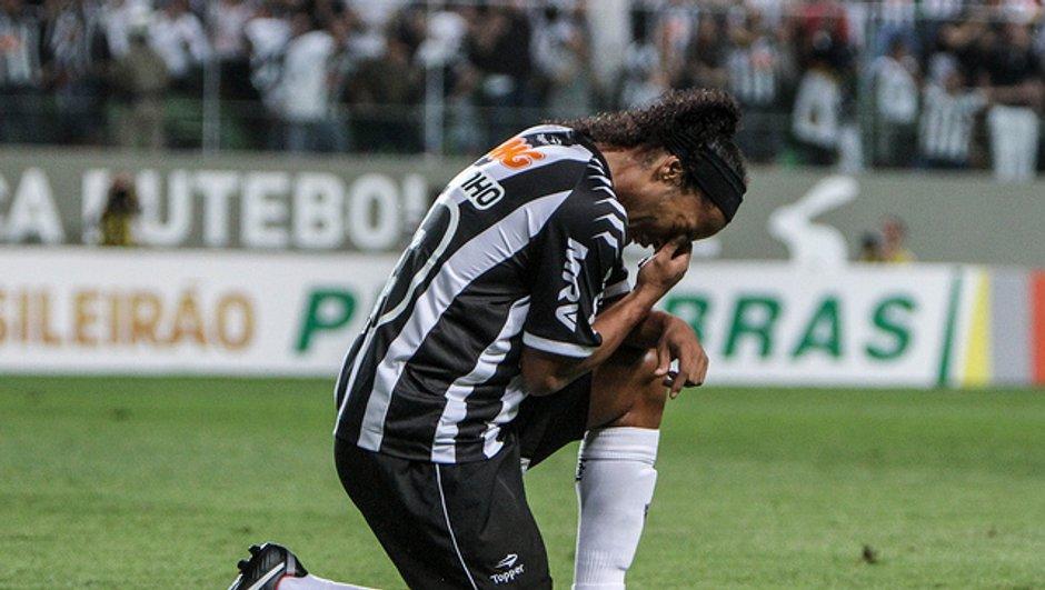 Insolite : Ronaldinho victime d'un geste fou (vidéo)