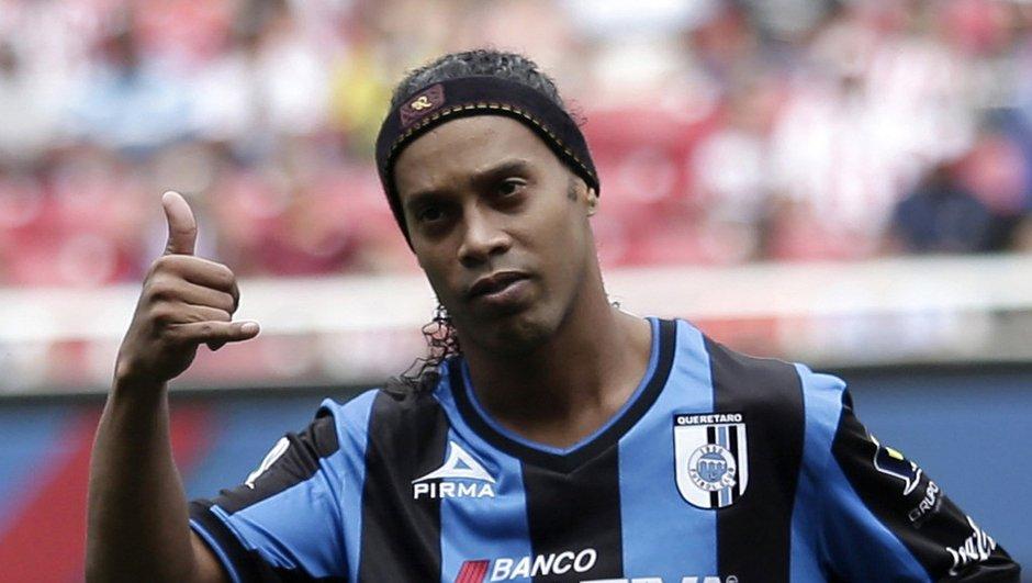 FC Barcelone : Ronaldinho encense Neymar et le désigne comme son successeur