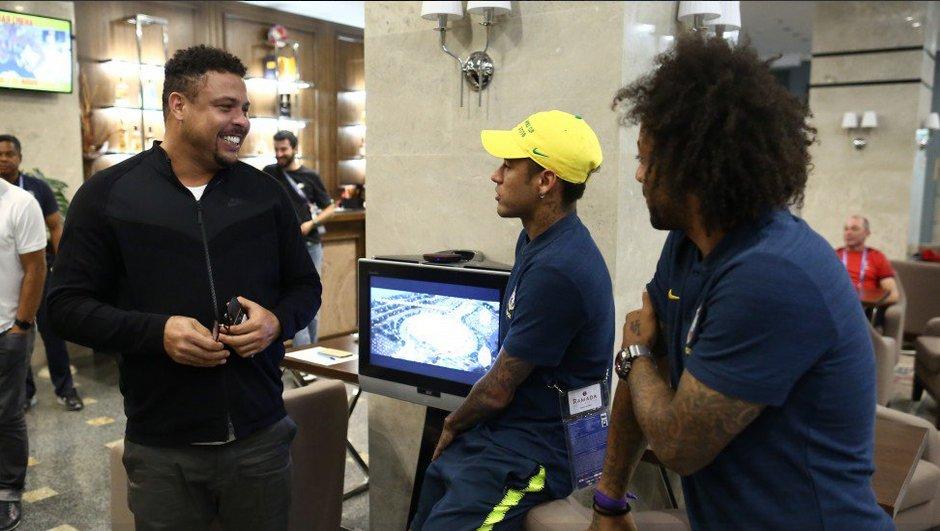 video-bresil-suisse-ronaldo-rend-visite-a-selecao-neymar-5018484